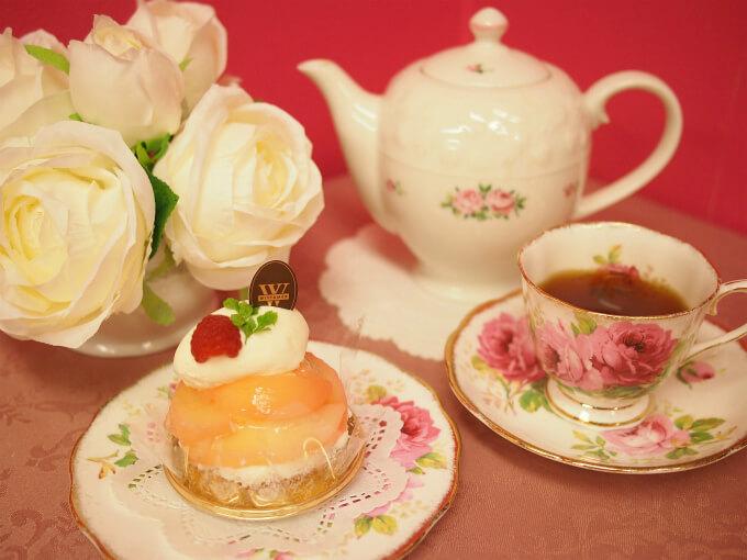 ヴィタメールの「タルト・オ・ペッシュ」と紅茶