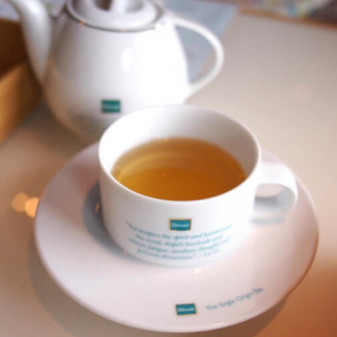 ジャスミン・グリーンティーこれ!スコーンにも使われているお茶ですよね!