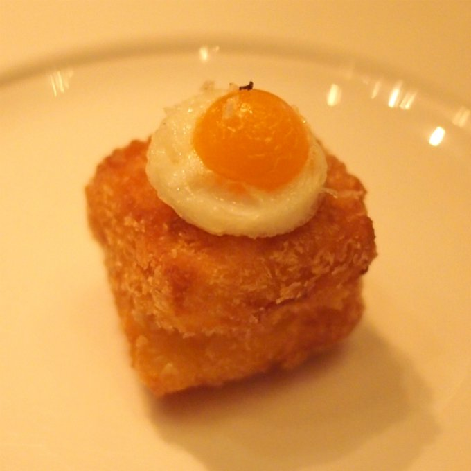 クロックマダムこれマンゴーアフタヌーンティーの時にカレー味だったもの、今回はシンプルな味付け。
