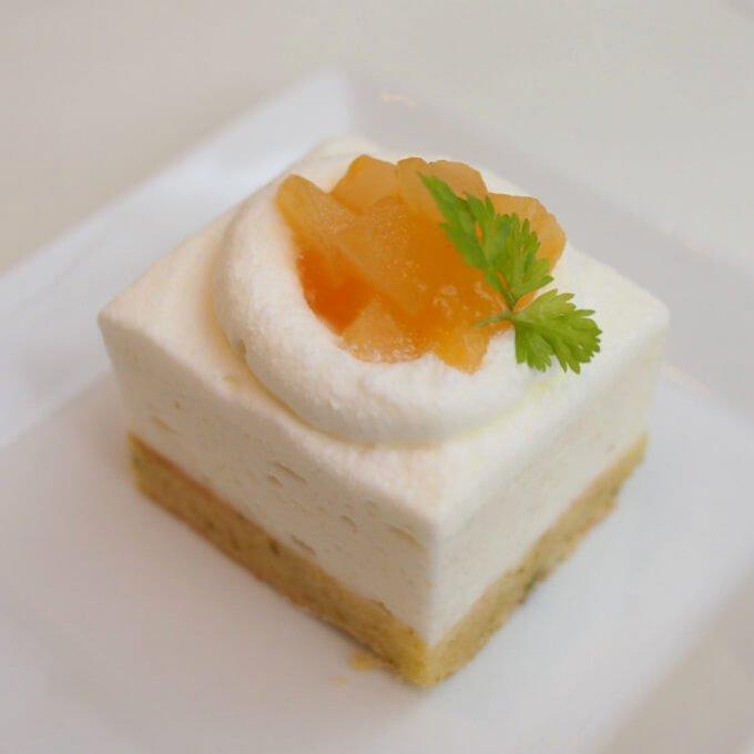 洋梨のムース アプリコットソース洋梨とアプリコットという素敵な組み合わせ♥めちゃくちゃ美味しい!