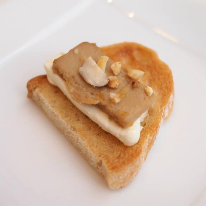 クリームチーズ 珍味豆腐 ナッツ風タルティーヌほんのりとした甘さでとっても美味しかったです。