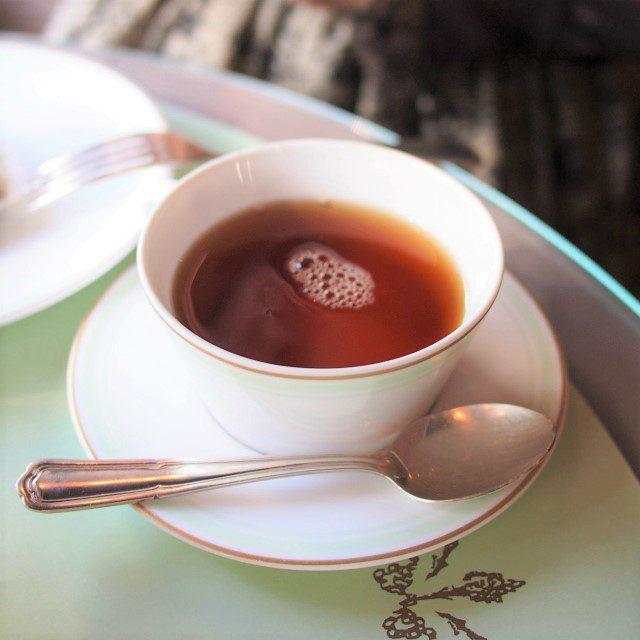 テ・ダージリン ナムリンナムリン茶園のさっぱりしたダージリン紅茶は1ポットだと足りなくなってしまったので追加でオーダーしました。