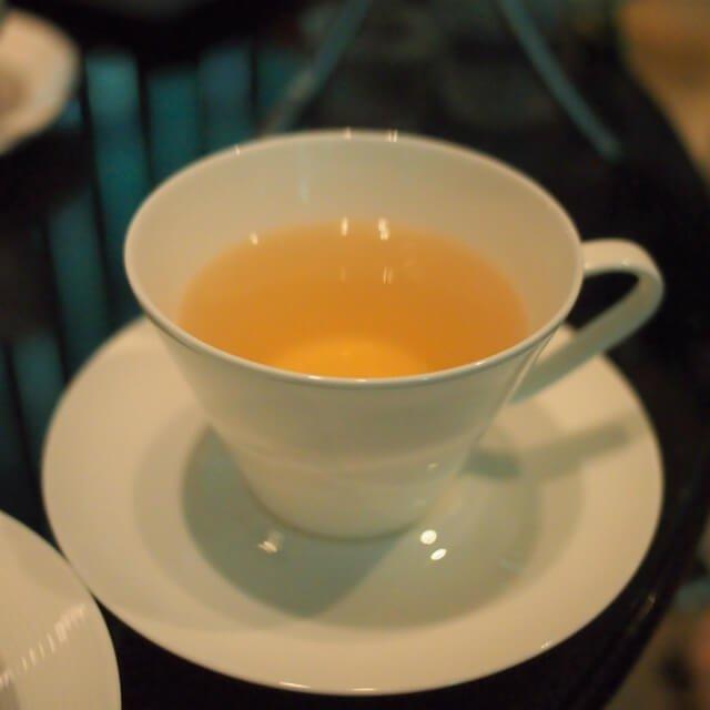 グリーンドラゴンロンジン中国の緑茶です。