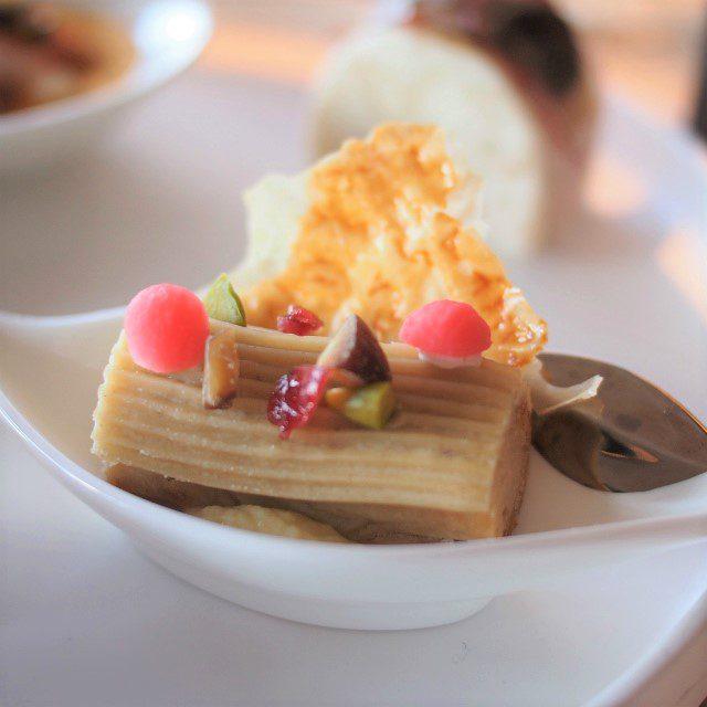江戸味噌フォアグラ クランベリーとピスタチオ葱のクリーム 和栗のブッシュ