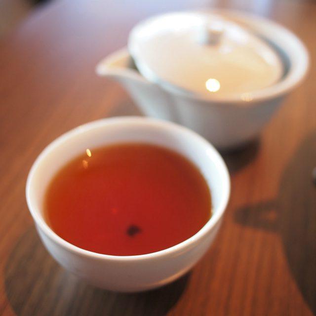 和束和紅茶飲みやすいさっぱり目の紅茶です。