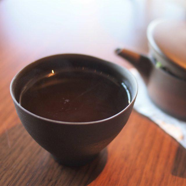 ブレンド茶: 活緑茶にレモングラスとレモンバームを加えたさっぱりしたお茶