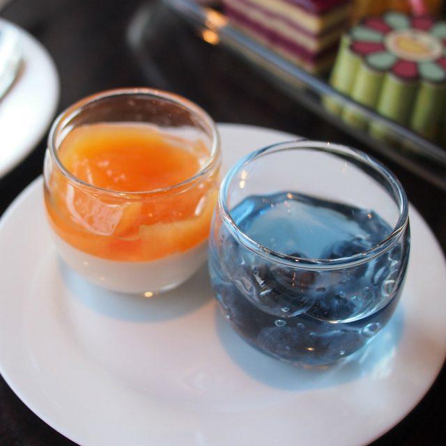 オレンジムースとバタフライピーとブルーベリーゼリー