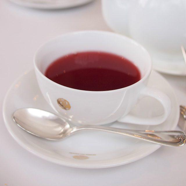 ここからは2杯目のお茶。こちらはハーブティー。