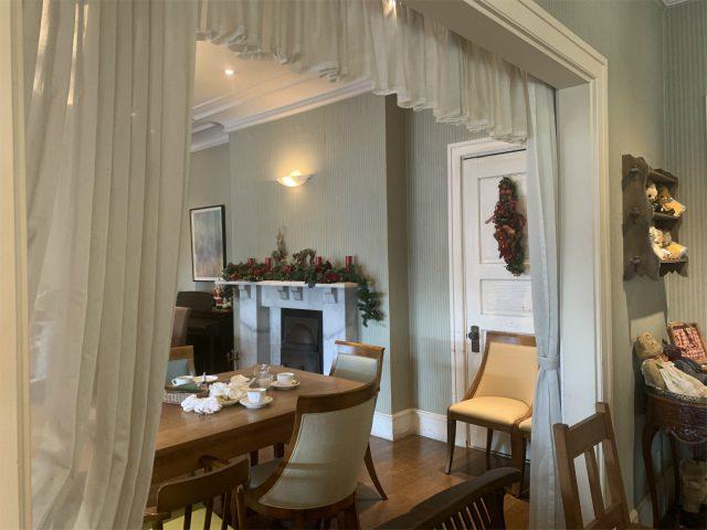 洋館なので屋内のお席も素敵な雰囲気です!