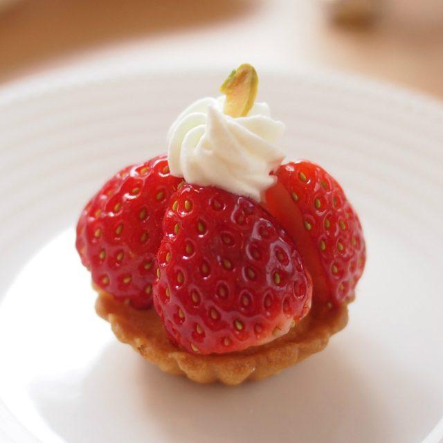 イチゴのタルト 柚子風味柚子はほんのり香る程度で食べやすかったです。