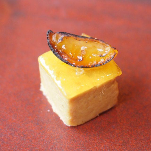 フォアグラのキューブ 金柑のコンフィチュール フォアグラのキューブは前回も登場したセイボリー。今回はさらに美味しく感じました!