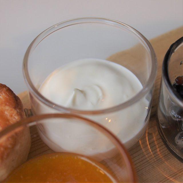 クレームドゥーブルクロテッドクリームよりも滑らかなクリームでした!
