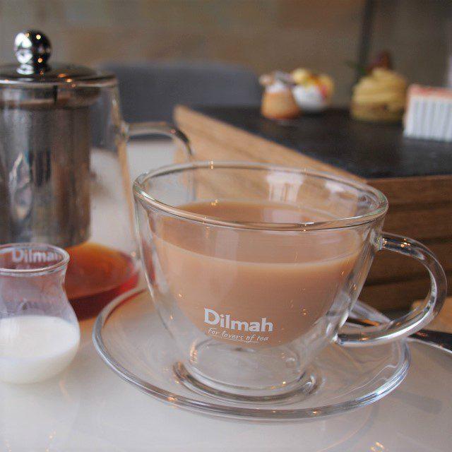アッサムのミルクティーはスイーツによく合って美味しいです♪