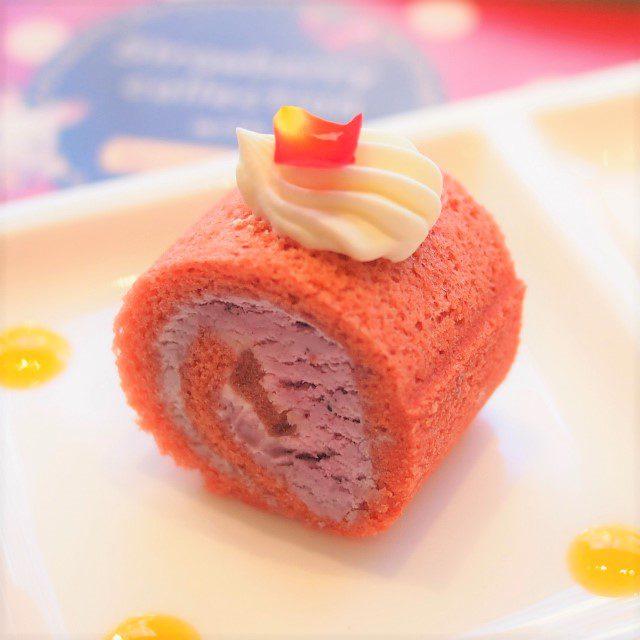 ベリーロールケーキ