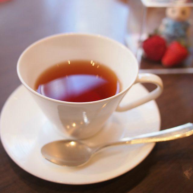 ホテルオリジナルブレンドウバが多めのセイロンブレンドだそうです。でも飲みやすい紅茶でした。