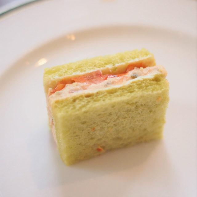 ツナとトマトのサンドイッチ