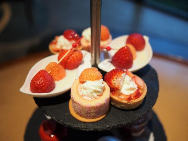 momiji ichigo afternoontea sweets01