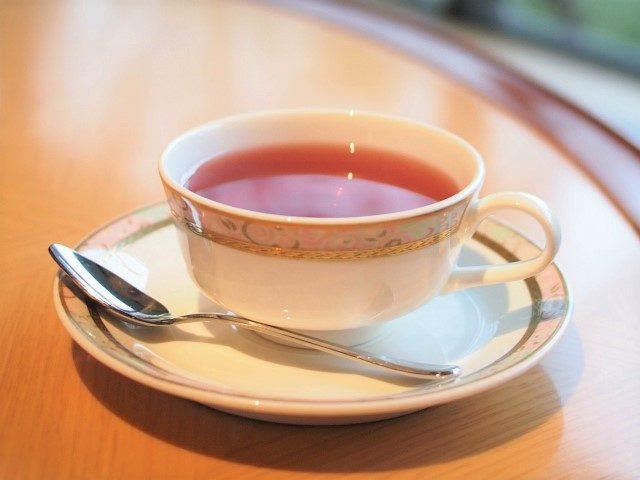 こちらのカップ&ソーサーはNARUMI。プリンスホテルのオリジナルのもの。