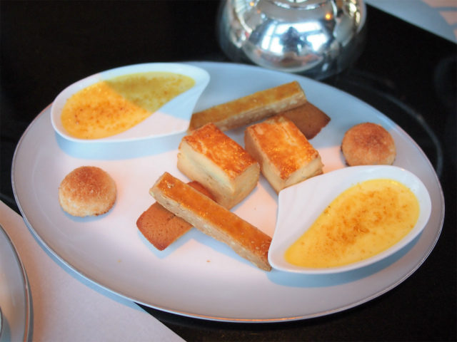 ritz2021ichigo afternoontea pastry01