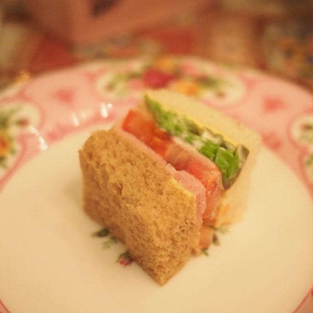 サンドウィッチパンが2色なのも可愛い♡