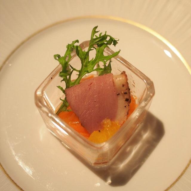 鴨のパストラミとオレンジ香るキャロットラペ鴨とオレンジと人参なんて、美味しいに決まっている組み合わせですね♪