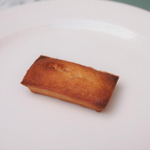 フィナンシェ・エスペシャルフランス産のレモンツリー蜂蜜とタヒチバニラを使った贅沢なフィナンシェ