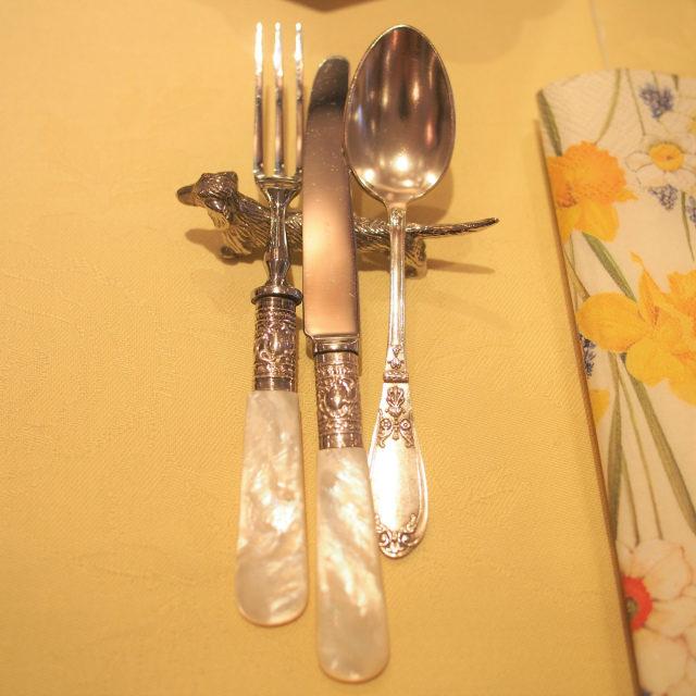 violetta easter afternoontea cutlery01