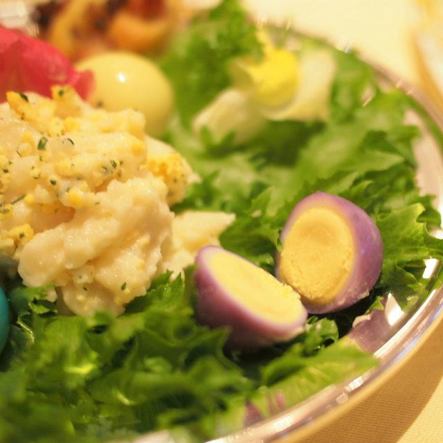 カラフルなうずらの卵が可愛い♡