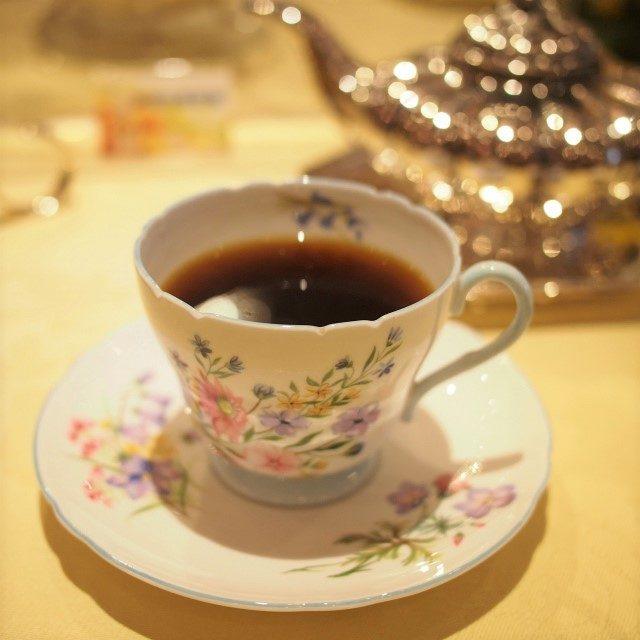コーヒーコロンビアのコーヒー。ライトな味わいでコーヒー苦手な私でも美味しくいただけました。