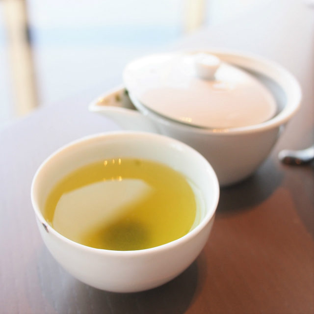今月の日本茶この日は「静7132 深蒸」しっかりした渋みと甘みのある緑茶です。