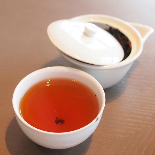 和束和紅茶飲みやすいさっぱり目の和紅茶。