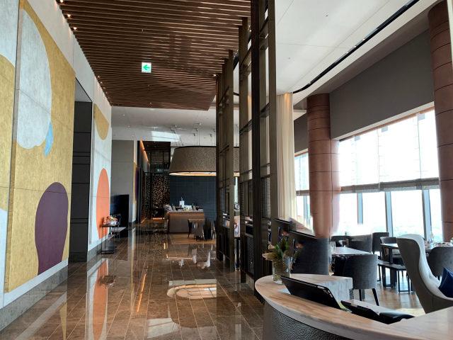 フォーシーズンズホテル東京大手町「ザ ラウンジ」の内装