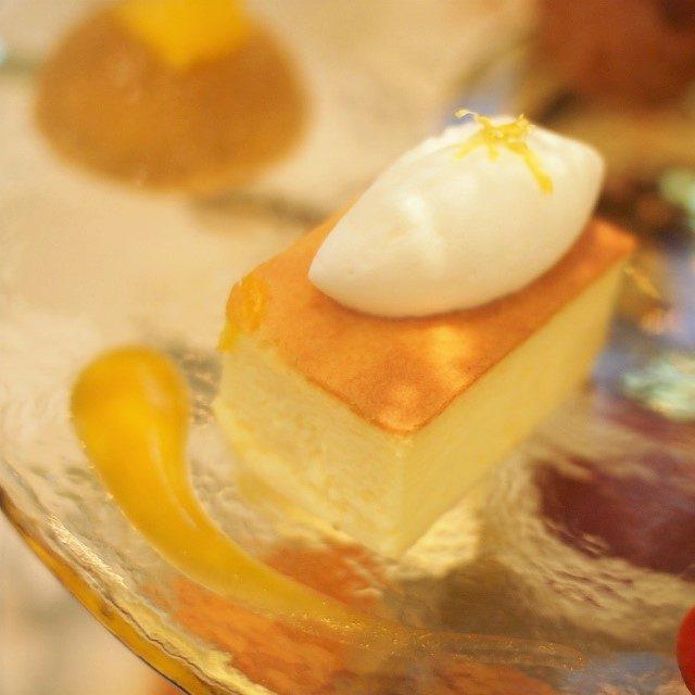 スフレチーズケーキレモンが効いたふわふわのチーズケーキ