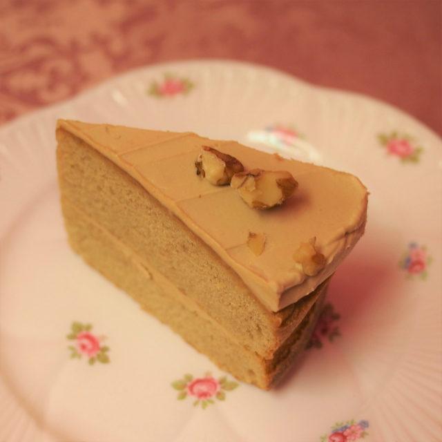 コーヒーウォールナッツケーキ その名の通りコーヒーとナッツを使ったケーキ