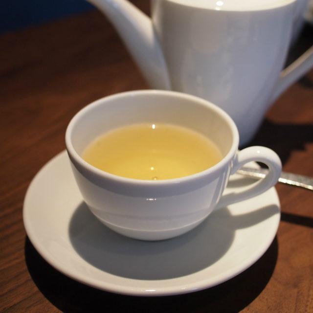 テ セレモニー煎茶とジャスミンティーをベースにしたお花の香りのフレーバーティー