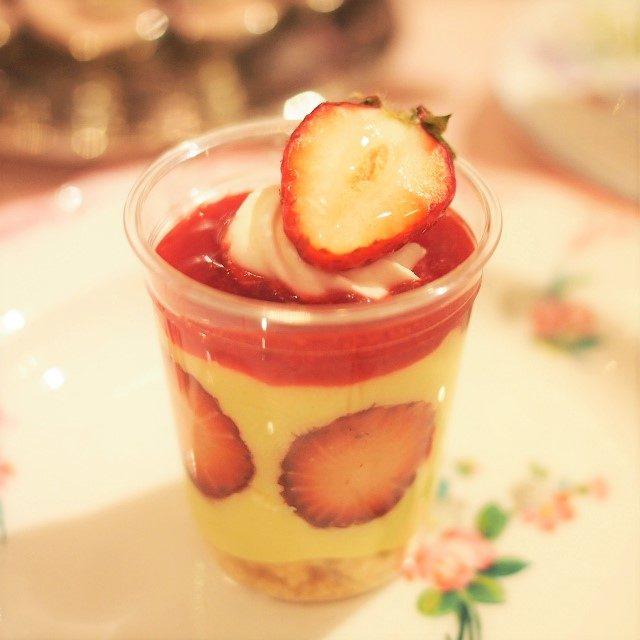 フレジェピスタチオクリームと苺の相性は最高です♪