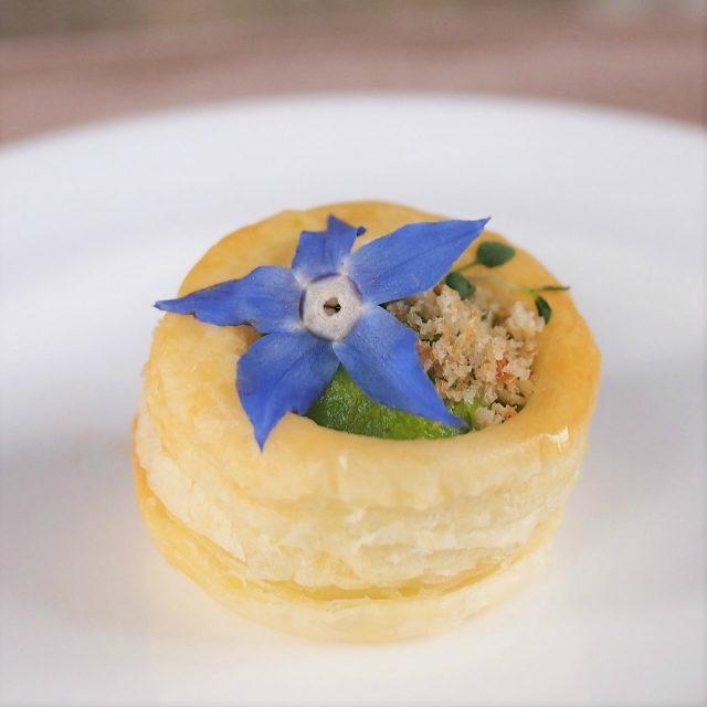 ボローバン 菜の花クリーム アンチョビ風味パン