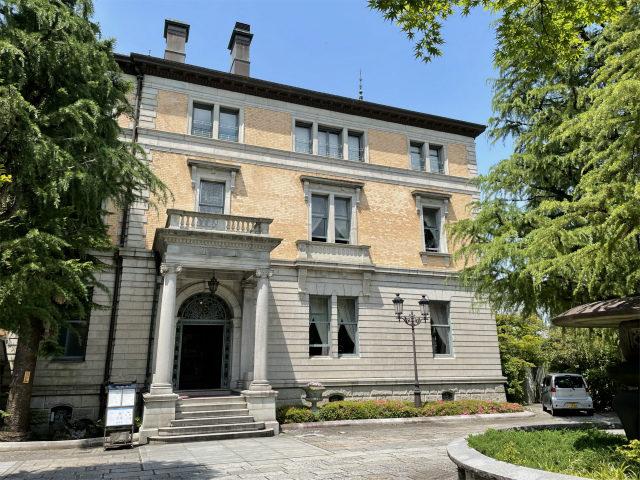 こちらは長楽館の本館。通常のアフタヌーンティーも個室のアフタヌーンティーもこの本館で楽しむことができます。