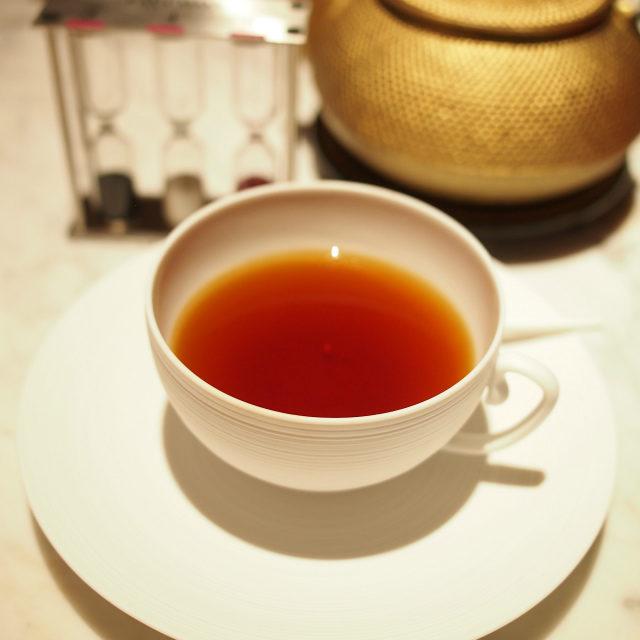 モーニングセイロンとアッサムのブレンドティー。しっかりしたコクと渋みがある紅茶。