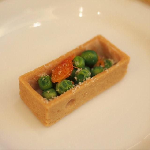 桜海老と緑豆のサラダタルト