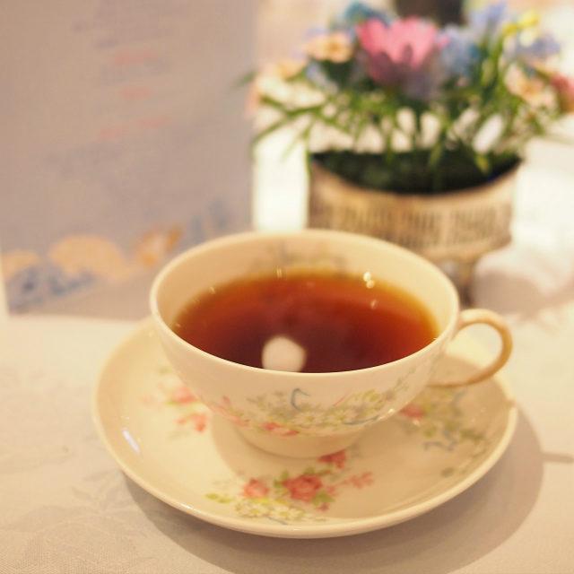 コーヒー(GEISHA)貴重でとっても高級なゲイシャ種のコーヒーはフローラルで香り高く、紅茶を飲んでいるような気分になってしまう不思議なコーヒーでした!