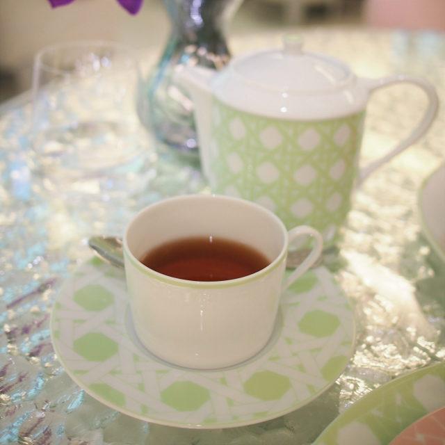 ディオールティー コルノワールバーボンバニラとブルーマロウのフレーバーティー。ミルクティーにしても美味しい紅茶でした。