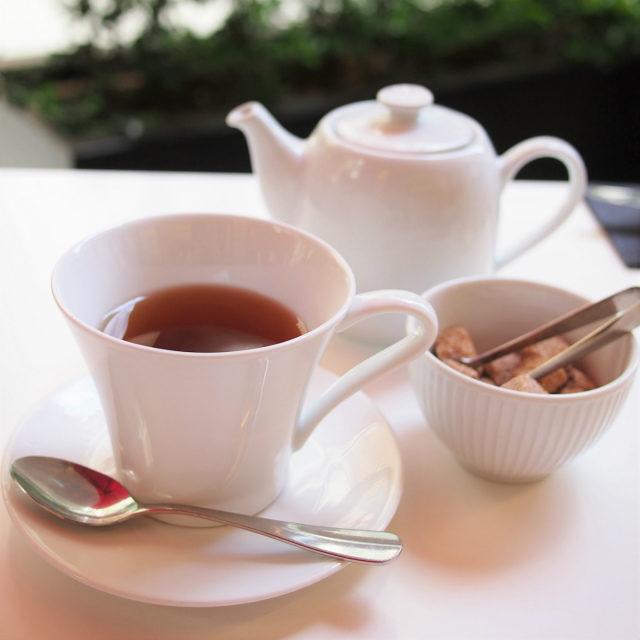 フォションブレンド 紅茶と緑茶をブレンドし、柑橘類とバニラ、ラベンダーで香り付けしたフレーバーティー