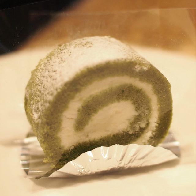 グリーンティーロールケーキ
