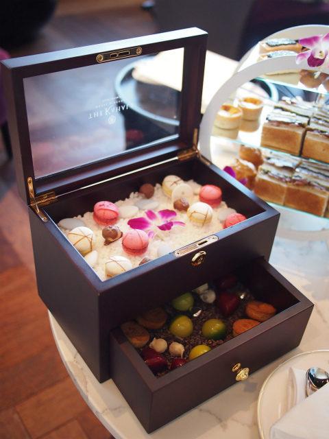 最後はお菓子の宝石箱