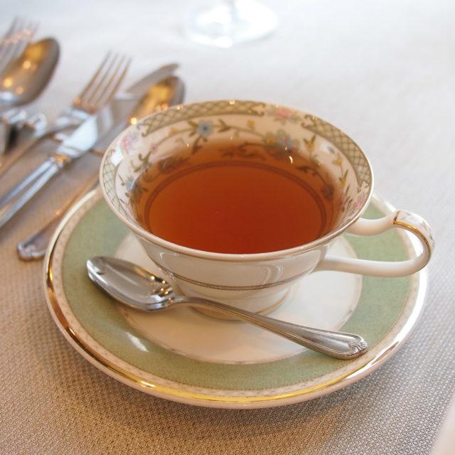 ローズブラック美女と野獣のベルをイメージしてつくられた薔薇の紅茶
