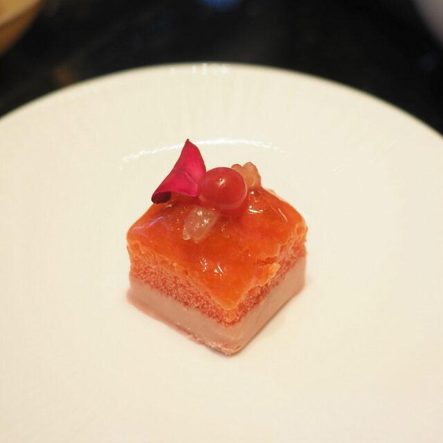 桃と薔薇のパウンドケーキ