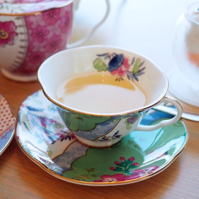 グリーントロピック緑茶にフルーツの香りを加えたフレーバーティー