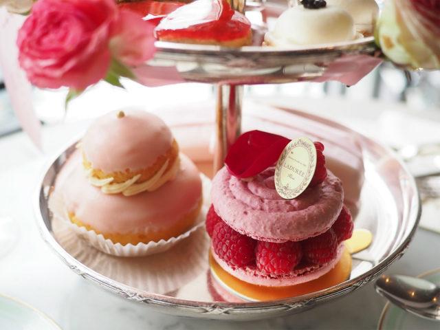 laduree antoinette afternoontea sweets01