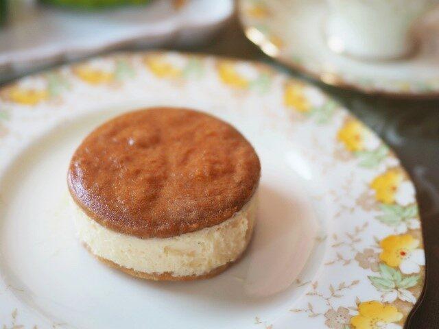 ラ・テールの「バターチーズサンド マンゴー&シーベリー」